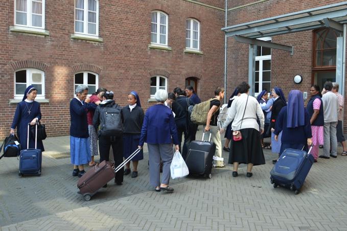 arrivals-076